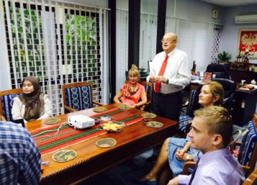 Presentasi Klinik kopi di Kedubes Polandia Jakarta.